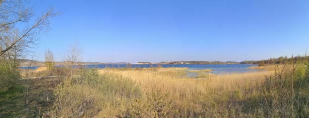 Panoramabild der Uerzone auf der Landzunge, die mehrere Kilometer in den See hineinragt