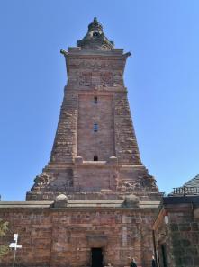 Rückseite das Denkmals von der Oberburg aus gesehen