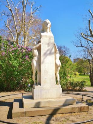 Schiller-Denkmal