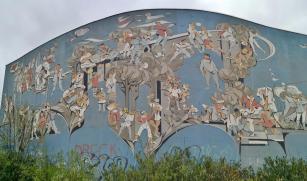 Wandemälde an einer Turnhalle