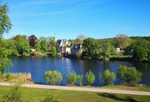 Blick über den Havel-Kanal zum Glieniker Jagdschloss