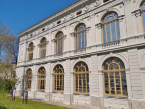 Das Hauptstaatsarchiv am Beethovenplatz
