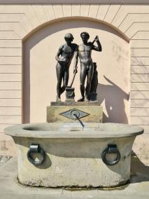 Hübscher Brunnen