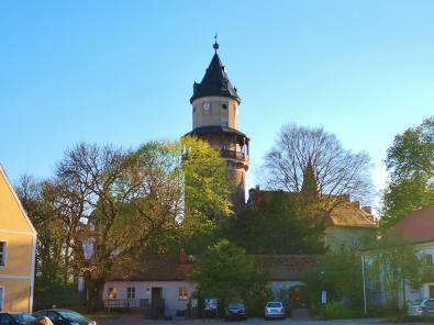 Der runde Bergfried ist der älteste noch erhaltene Teil der Anlage