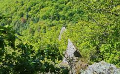 """Das """"Goldene Kreuz"""" auf einem Felssporn oberhalb von Bernkaste-Kues"""