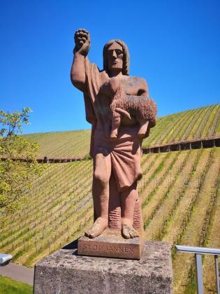 Heiligenfigur an der Moselbrücke auf Minheimer Seite