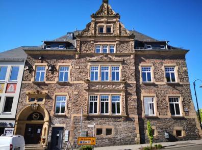 Das 1906 errichtete Neue Rathaus der Stadt
