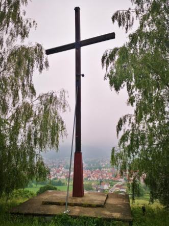 Das Kreuz am Osterberg, 1935 als Protest gegen die Vereinnahmung der Feierlichkeiten durch die Nazis errichtet