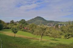 Blick zurck Richtung Reutlingen mit dem Achalm im Hintergrund