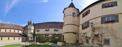 Panoramabild vom Innenhof des Klosters