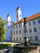 Klosterkirche und Bildungszentrum