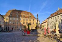Marktplatz mit dem Stadtmuseum Lindau im Hintergrund