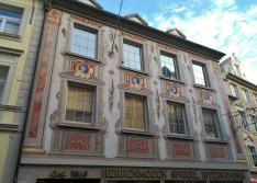Lüftlmalerei an einem Haus in der Maximilianstraße