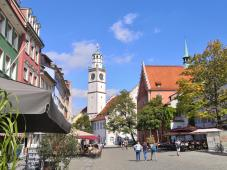 Blick über den Münsterplatz zur kath. Liebfrauenkriche