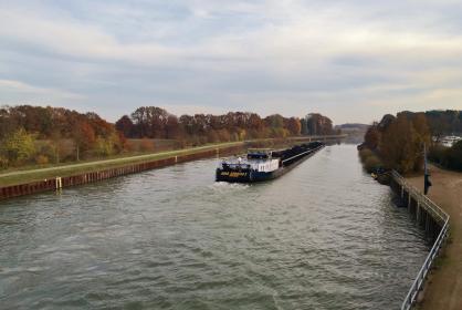 Schiff auf dem Wesel-Datteln-Kanal