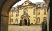 Innenhof des Hauptgebäudes von Schloss Dyck