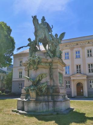 Kaiser-Wilhelm-I-Denkmal am Martin-Luther-Platz vor dem NRW-Justizministerium
