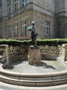 Neckereibrunnen an der Königsallee