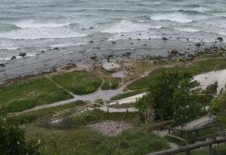 Am Strand vor Arkona: Der 165 Tonnen schwere Findling Siebenschneiderstein