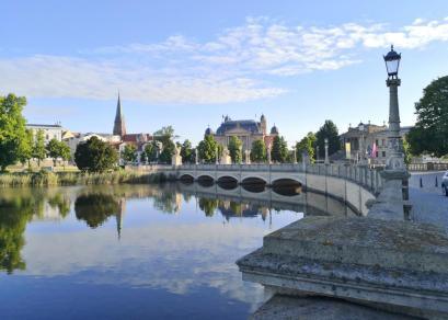 Blick über die Schlossbrücke zur Altstadt