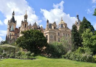 Blick auf den Westflügel vom Schlossgarten