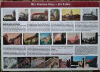 Infotafel zur Geschichte des Krummen Hauses