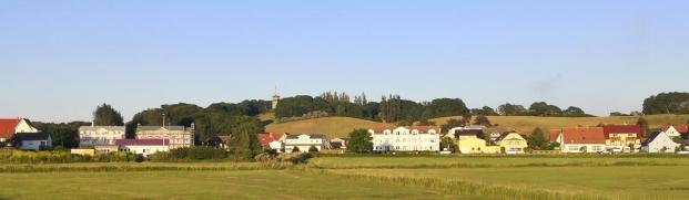 Panorama vom Thiessow. Im Hintergrund der Lotsenturm auf dem Lotsenberg.