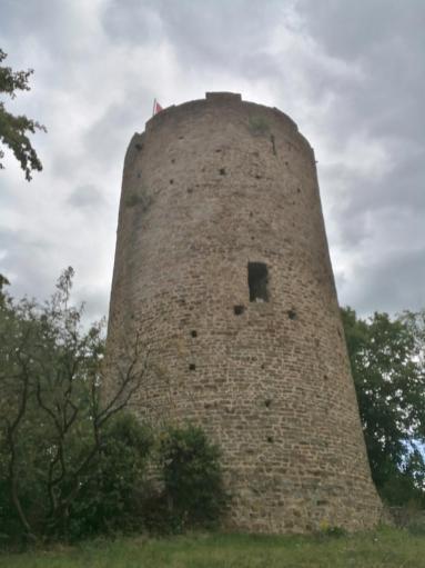 Der Bergfried der Burg Blankenberg