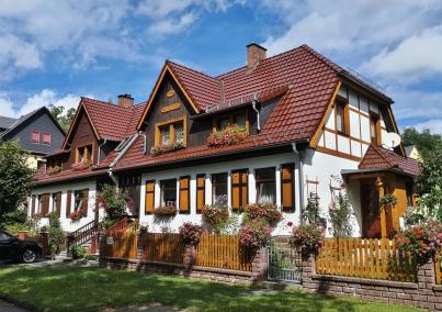 Hübsche Häuser am Ortsrand von Greiz