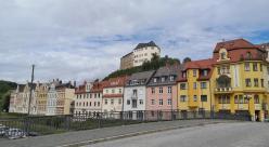 Blick von der Friedensbrücke zum Oberen Schloss