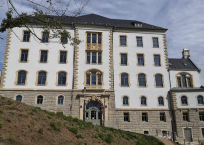 Vorderseite des Alten Schloss