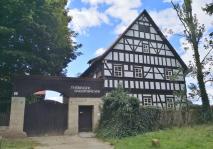 Thüringer Bauernhäuser im ältesten Freilichtmuseum Deutschlands am Rande des Heinrich-Heine-Parks