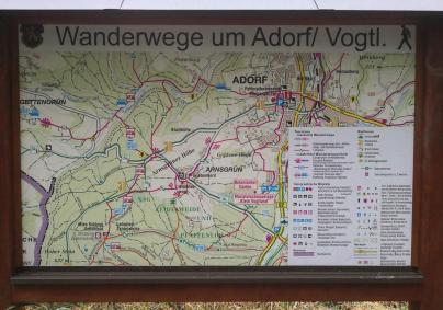 Wanderkarte an unserem Startpumkt noch auf dem Gebiet von Adorf