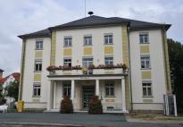 Rathaus von Bad Elster am Kirchplatz