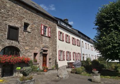 Das Haus Pallandt auf der Burg Wildenburg