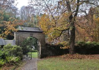 Zufahrt zum Schloss Caspersbroich