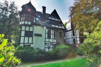 Wohngebäude von Schloss Caspersbroich (Foto: Savino110 | http://commons.wikimedia.org | Lizenz: CC BY-SA 3.0 DE)