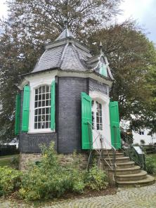 Barockes Gartenhaus im Parc de Chateaubriant in Radevormwald