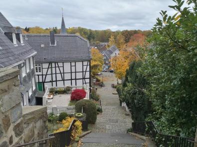 Blick von Klosterhof hinunter zun Marktplatz