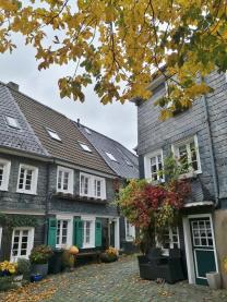 Häuser unterhalb des Klingenmuseums