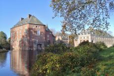 Hauptburg und Vorburg des Schlosses