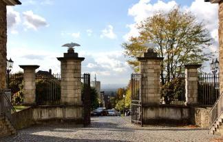 Sichtachse vom Schloss zum Kölner Dom in 15 km Entfernung (Foto Frank Vincentz| http://commons.wikimedia.org | Lizenz: CC BY-SA 3.0 DE)