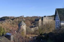 Blick zur Burg Monschau