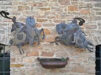 Rittermotiv am Haupthaus der Burg Satzvey