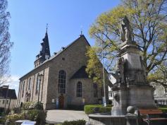 Kaiser-Wilhelm-Denkmal vor der Marktkirche