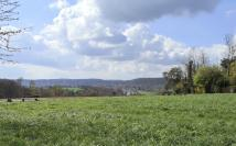 Blick ins Ruhrtahl und zur Ruhrtalbrücke der A52 von der Mendener Höhe