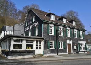 Hotel zur Post am Rande des historischen Kerns von Odenthal