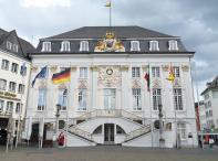 Das Bonner Rathaus am Marktplatz