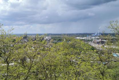 Blick vom Aussichtsturm auf der Knappenhalde in Richtung Oberhausen-West