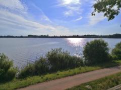 Blick vom Aussichtspunkt im Norden des Sees in Richtung Olgahafen